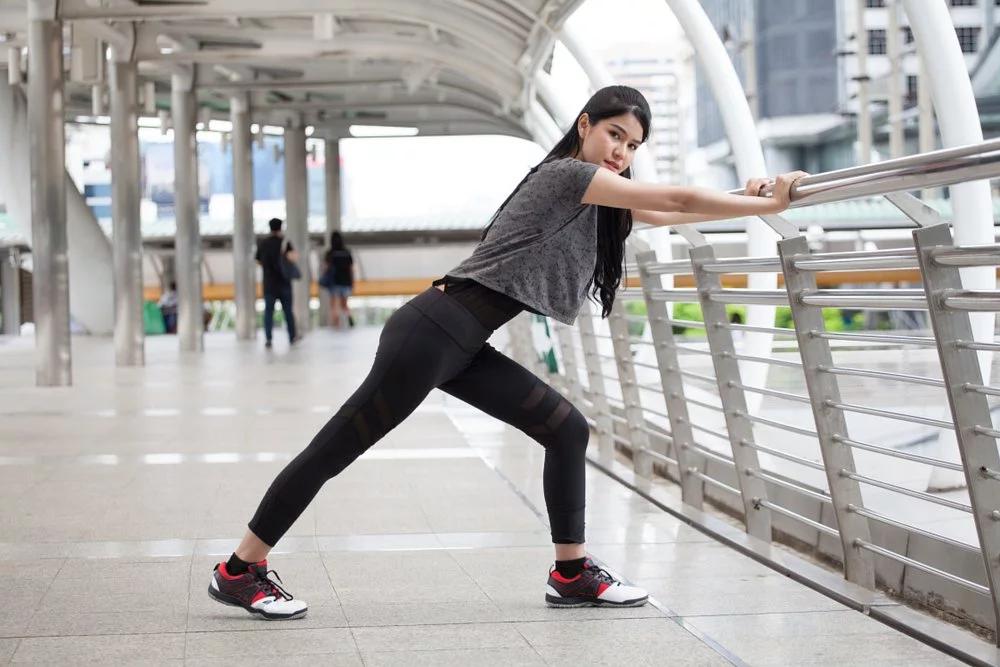 小腿痠痛伸展方法